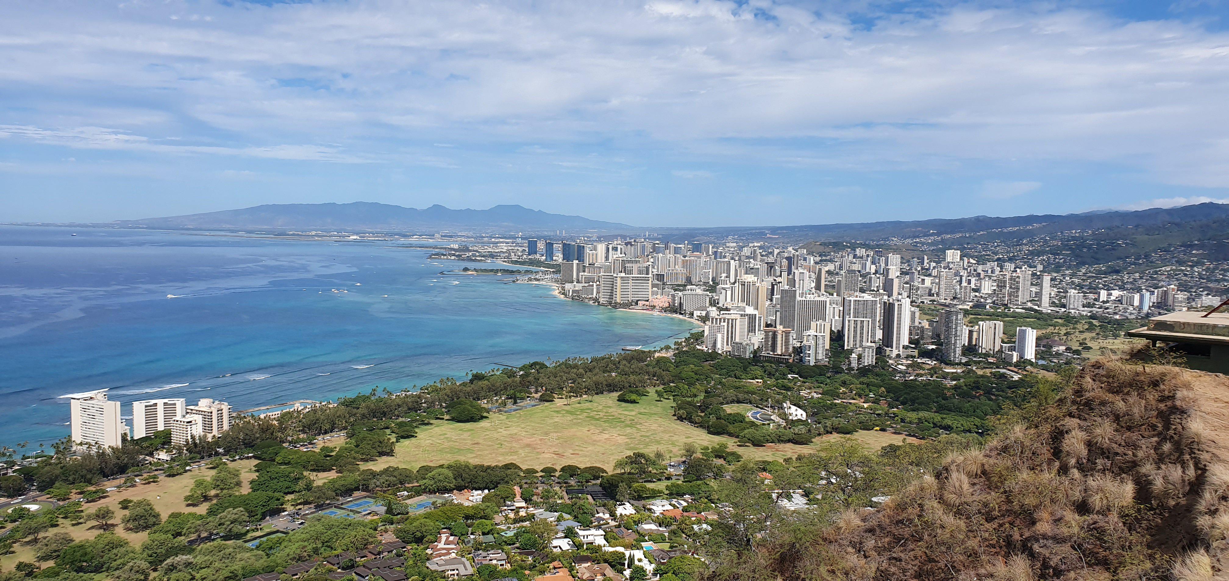 packing for hawaii - Diamond Head Crater Honolulu