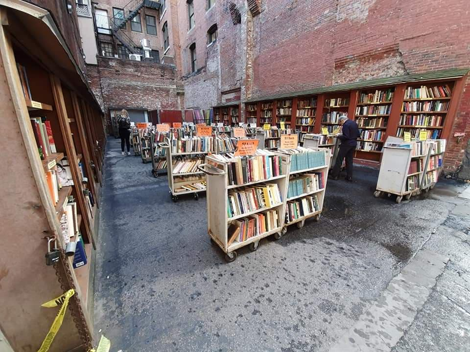 brattle book shop - Quirky and unusual things to do in Boston