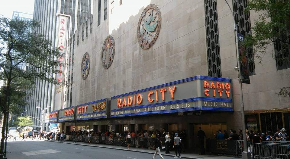 radio city music hall tour